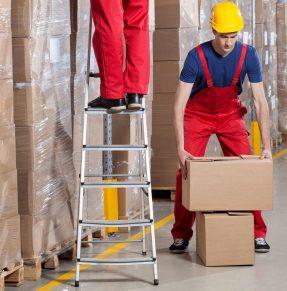 max lifting box in warehouse